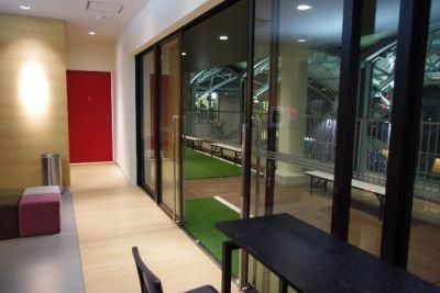 アディダスフットサルパーク川崎 【Aコート】多目的スペース の入口の写真