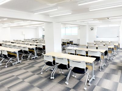 鶴見駅前ホール【加瀬会議室】 第一会議室の室内の写真