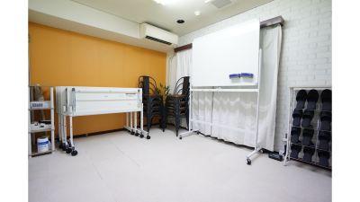 【タルト会議室】 プロジェクタ無料の貸し会議室♪の室内の写真