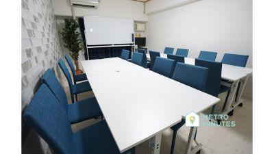 【シルク会議室】 プロジェクタ無料の貸し会議室♪の室内の写真