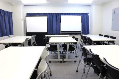 新宿会議室倶楽部 i-space 新宿三丁目駅徒歩2分格安会議室Cの室内の写真