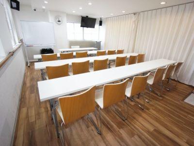 名古屋会議室 スタジオフィックス名古屋栄伏見店 4A(会議室)の室内の写真