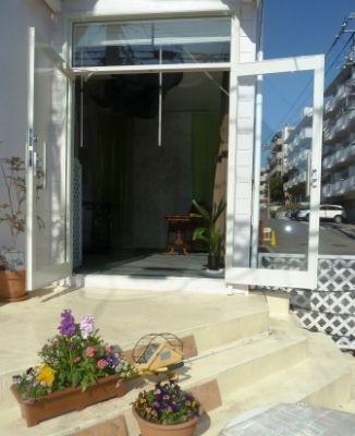 レンタルスペース マイティーハウス テナント向き、貸スペースの入口の写真