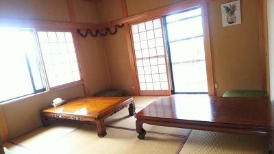 CAFE AROMA美 カフェ店内の和室の室内の写真