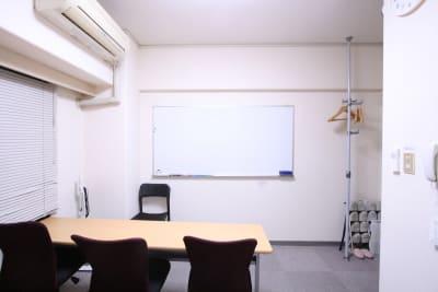 ウイン青山 コモンズ青山一丁目会議室の室内の写真