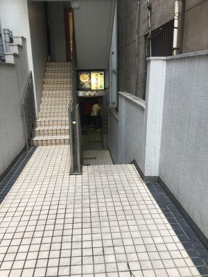 カンティプール 飲食店のフリースペースの入口の写真
