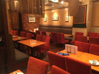 カンティプール 飲食店のフリースペースの室内の写真