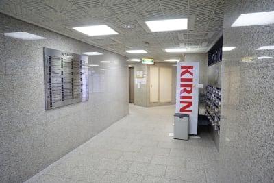 新大阪セミナーオフィスO6、7 ルームO-7の入口の写真