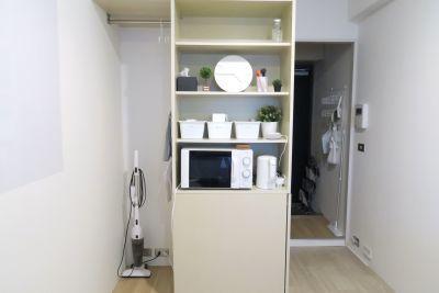 LEUNI三宮 集中できる白い部屋の設備の写真