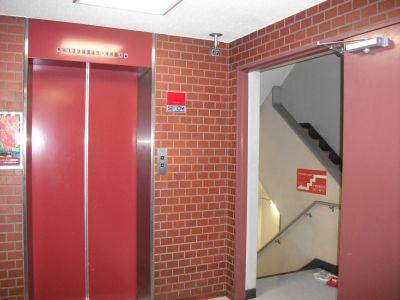 三軒茶屋レンタルスペース「サンチャイナ」 ルーム1(第一班)の入口の写真