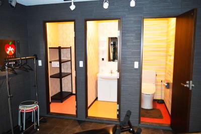 トイレ・洗面所・更衣室 - ARUKAビル SinwaTrainingGymの室内の写真