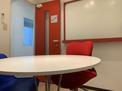 語楽塾リトルヨーロッパ 横浜校 レンタル会議室の室内の写真