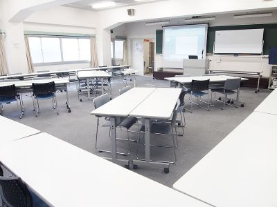 貸教室・貸会議室 内海 2F教室の室内の写真