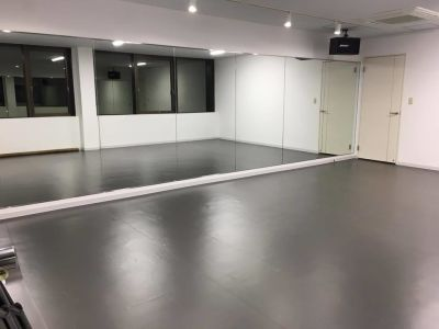 YDC ダンススタジオ 浦和 浦和 Bスタジオ 貸しスペースの室内の写真