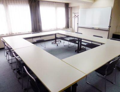 横浜セネックス B会議室の室内の写真