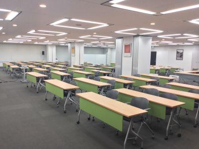 神田カンファレンス・ルーム セミナールーム1+2(365㎡)の室内の写真
