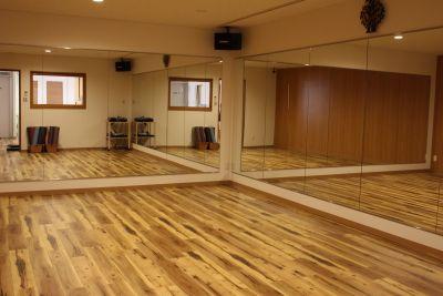 Studio ALWAYS Bスタジオの室内の写真