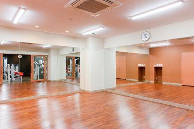 フィットネスクラブ VISTAR スタジオの室内の写真