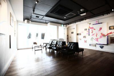 AMPcafe 多目的スペースの室内の写真