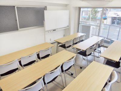 早稲田ホール  早稲田レンタルスペース 18名用の室内の写真