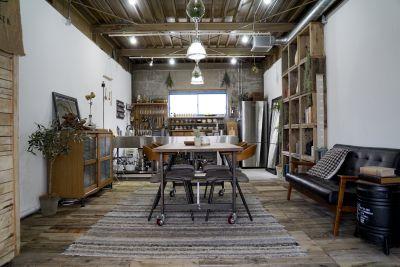 木のスタジヲ「Table」 個人使用基本プランの室内の写真