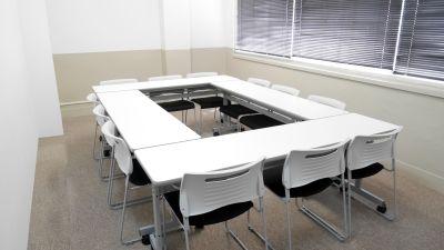 Natuluck飯田橋東口駅前店 2階小会議室Aの室内の写真
