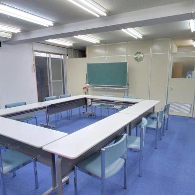 Share Studio Fukuoka 会議室の室内の写真