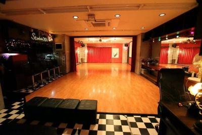 スタジオJBA 多目的スペースの室内の写真