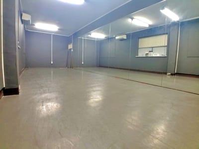 3階 レンタルスタジオ - KPOPダンススタジオFANCY JR三宮駅から徒歩5分/多目的の室内の写真