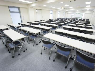 名古屋会議室 ナカトウ丸の内ビル店 第1会議室 (101〜132名)の室内の写真