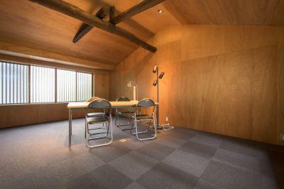 コワーキング∞ラボ 京創舎 (きょうそうしゃ) 南棟2階 会議室の室内の写真