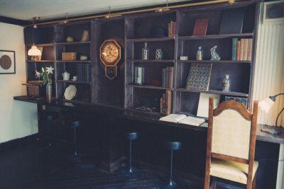 Leaning Cafebar 金魚 1F cafeの室内の写真