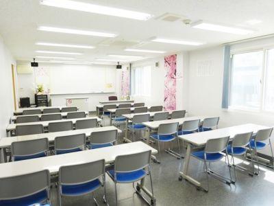名古屋会議室 フローレンスさくら名駅店 第1会議室の室内の写真