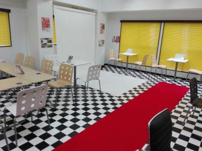 秋葉原イベントスペース「アキバ イベスペ」 レンタル撮影スタジオ・カフェスペースの室内の写真