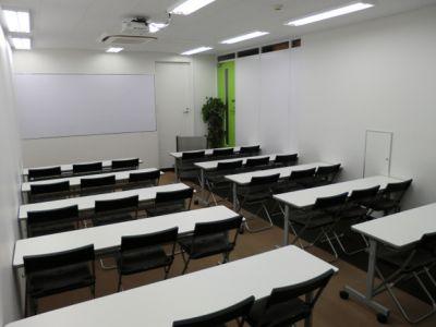大阪会議室 NSEリアルエステート堂島店 C-1室(B1階)の室内の写真