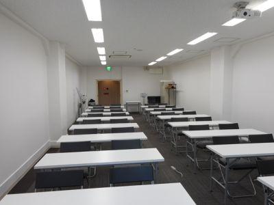大阪会議室 NSEリアルエステート堺筋本町店 会議室の室内の写真