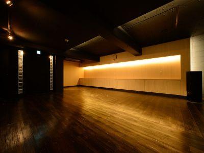 ギャラリーあるかぶる 多目的スペースの室内の写真