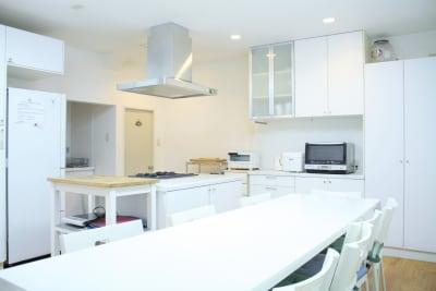 尼崎レンタルスタジオ「ソレイユ」 キッチンスタジオ202の室内の写真