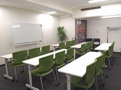 貸し会議室イールーム名古屋駅前B 貸し会議室の室内の写真