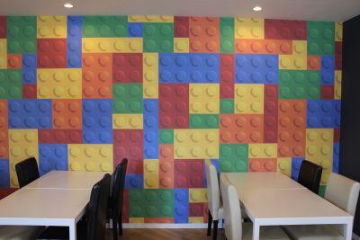 カラーブロックオフィス&カフェ コワーキングスペースの室内の写真