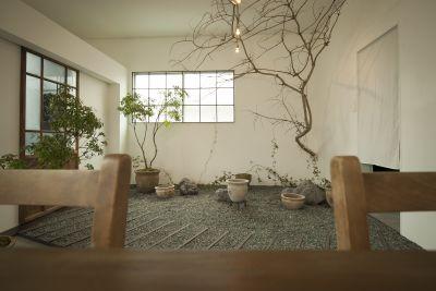 Antiquedoor フォトスタジオの室内の写真