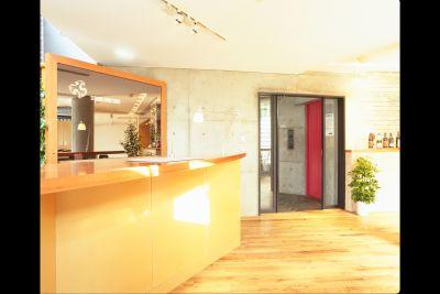 世田谷スタジオ サロンスペース・稽古場の入口の写真