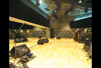 世田谷スタジオ サロンスペース・稽古場の室内の写真