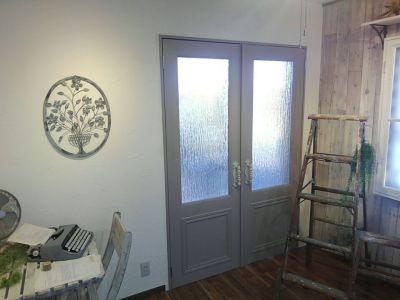 両扉ドア(開放換気可) - hair ROOK るうく 2F 貸スタジオの室内の写真