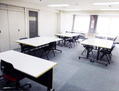 横浜セネックス C会議室の室内の写真