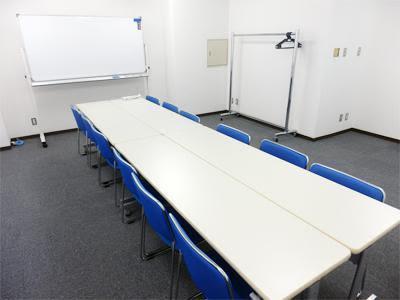 池袋ホール【加瀬会議室】 小会議室の室内の写真