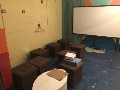 西日暮里リミットスタジオ イベントスペース、路面店の室内の写真