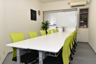 エキチカ会議室フィーカ 貸し会議室の室内の写真