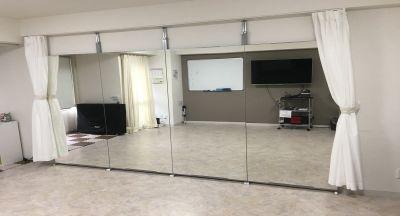 レンタルスタジオカベリ横浜2号店 ダンスができるレンタルスタジオの室内の写真
