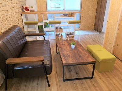 Kitchenタブリエ ソファー付きルームの室内の写真